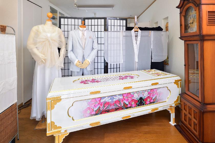 ドレスと棺